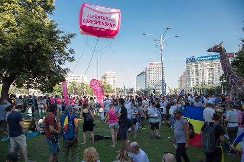Campania Declic pentru votul prin corespondență, în Piața Victoriei din București