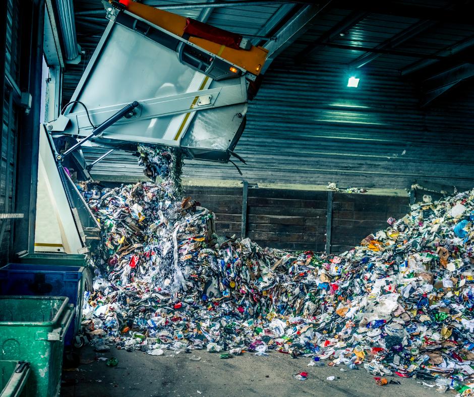 Opriți finanțarea marilor producători de băuturi prin PNRR. Direcționați fondurile pentru infrastructura de colectare separată la sursă a deșeurilor