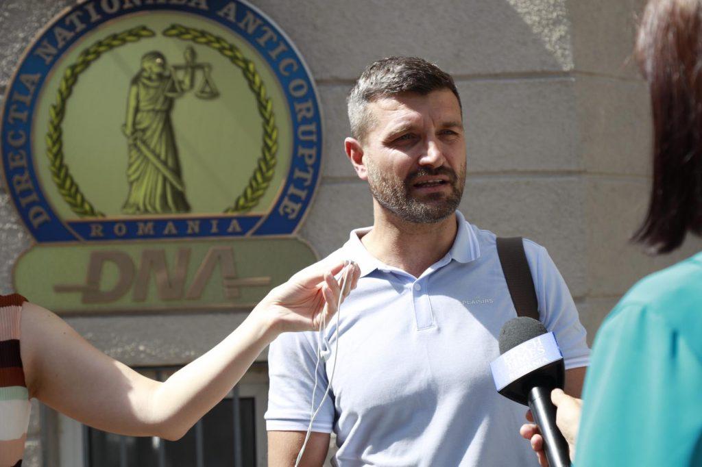 Comunitatea Declic a depus, la DNA, denunț pe numele premierului Florin Cîțu și al fostei consiliere de stat Mioara Costin